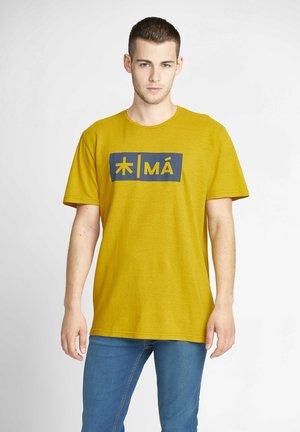 REGGIE - T-shirt print - old gold yellow