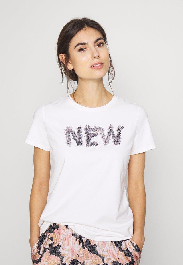 DRICTE  TEE  - T-shirt imprimé - white