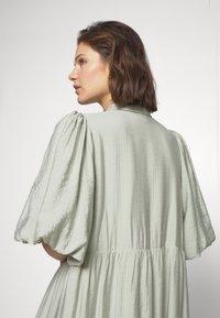 Gestuz - KIRITAGZ DRESS - Sukienka koszulowa - pale green - 4