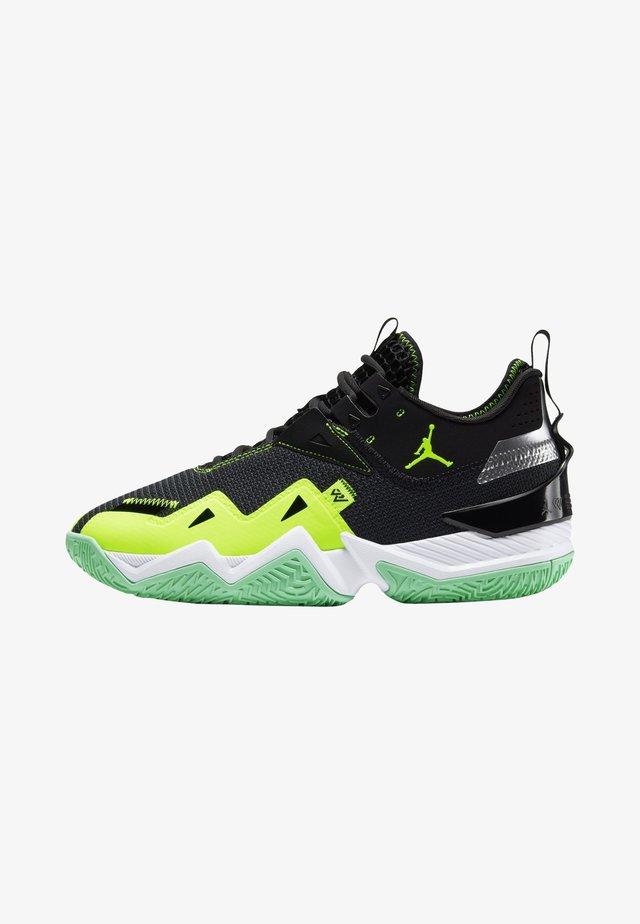 WESTBROOK ONE TAKE - Basketball shoes - black/volt-white-green glow