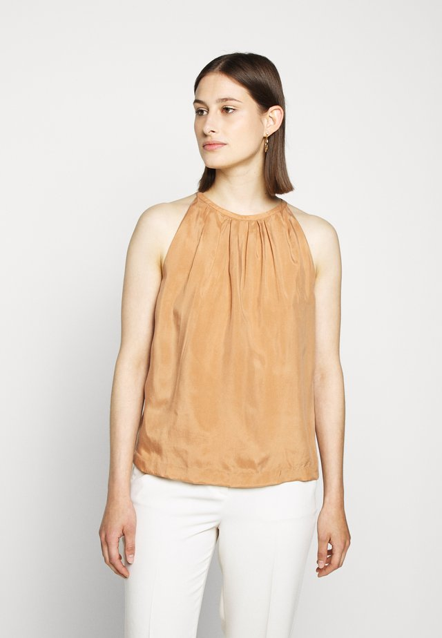 SLESS PLEAT NECK - Bluser - sandstone