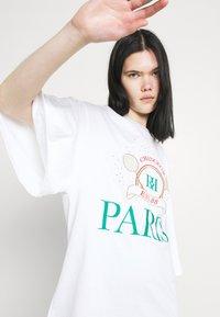 River Island - PARIS TENNIS OVERSIZED TEE - Print T-shirt - white - 3