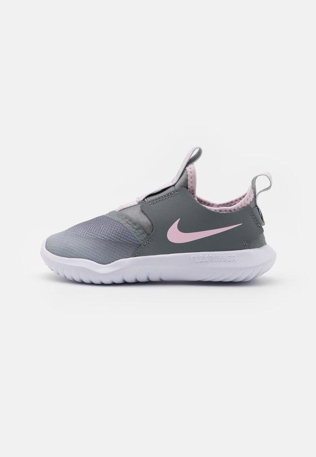 FLEX RUNNER UNISEX - Scarpe running neutre - light smoke grey/pink foam/smoke grey/white