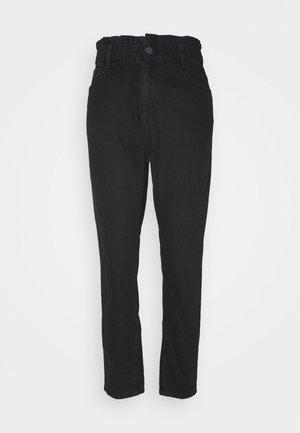 NMISABEL PAPERBAG MOM  - Jeans baggy - black denim