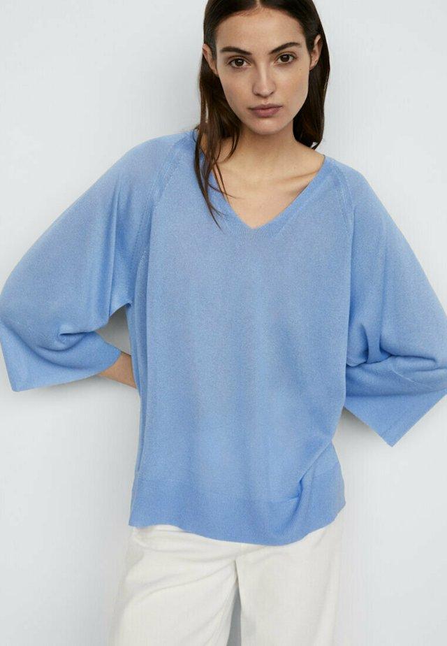 MIT V-AUSSCHNITT - Maglione - light blue