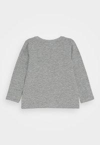 Name it - NMMHAPPY ARIES  - Longsleeve - grey melange - 1