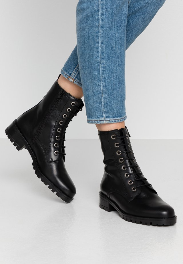 PRESTONE - Bottines à lacets - black