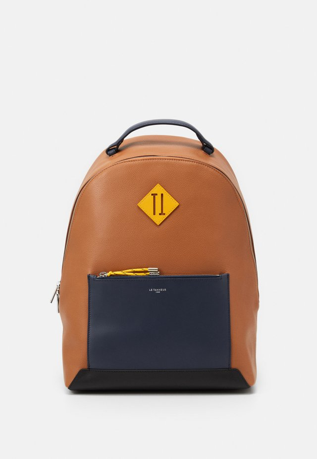 NATHAN ZIPPED BACKPACK - Rucksack - tan/crepuscule/arnica