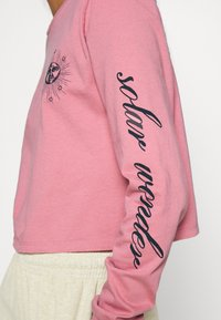 BDG Urban Outfitters - SOLAR CROP - Long sleeved top - pink - 4