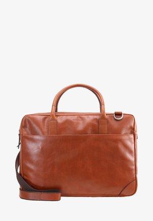 EXPLORER - Briefcase - cognac