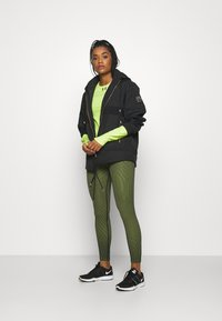 Under Armour - RUSH CREW - Long sleeved top - lime fizz - 1