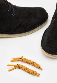 Clarks Originals - DESERT BOOT - Stringate sportive - black - 5