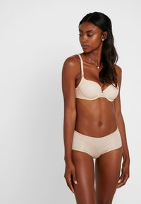 LOU Lingerie - INSOUPCONNABLE PADDED BRA - T-shirt-bh'er - nude - 1
