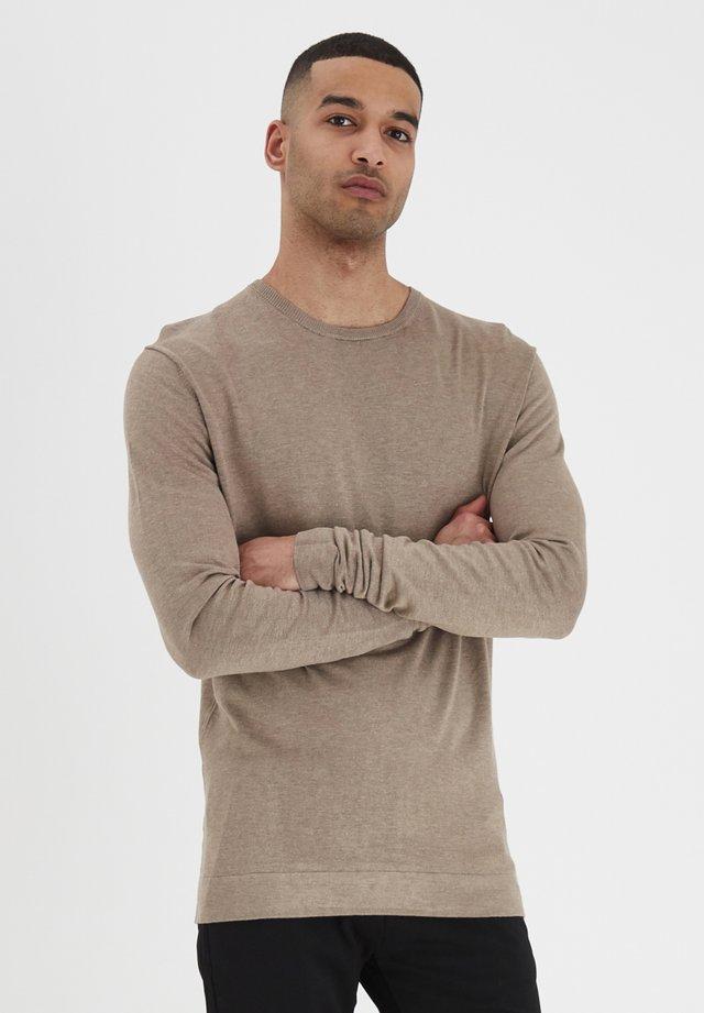 TOMONT - Stickad tröja - dune m