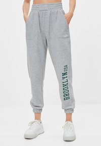 Bershka - Trainingsbroek - light grey - 0