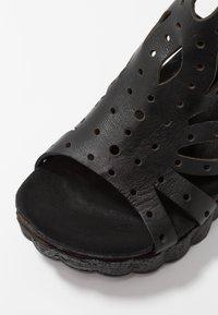 Felmini - LESLIE - Platform sandals - black - 2