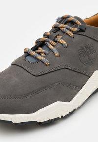 Timberland - CONCRETE TRAIL OXFORD - Trainers - medium grey - 5