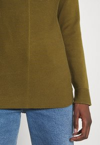 Marc O'Polo - LONGSLEEVE STRUCTURE MIX TURTLENECK - Jumper - olive green - 4