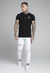 SIKSILK - DISTRESSED FLIGHT - Jeans Skinny Fit - white - 1