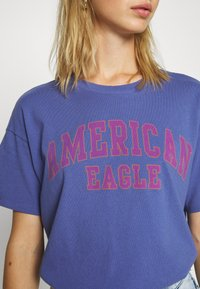 American Eagle - COLOR ON COLOR BRANDED - Print T-shirt - blue - 4