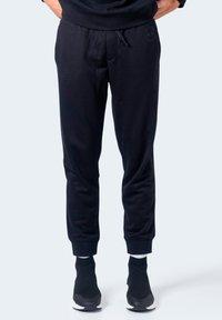 Armani Exchange - Pantaloni sportivi - black - 3