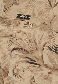 Mos Mosh - GILLES MAZE PANT - Trousers - cuban sand - 2