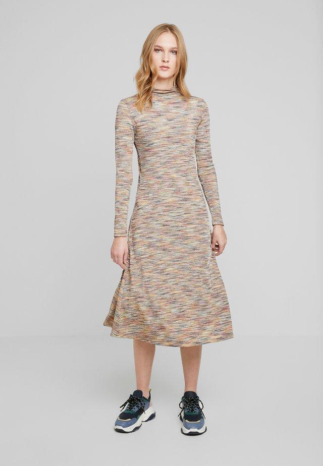 LYDIA DRESS - Vestido de punto - multi space