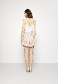 Guess - TATIANA SKIRT - A-line skirt - light pink/multi-coloured - 2