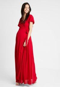 TFNC Maternity - EXCLUSIVE KATIA - Abito da sera - red - 1