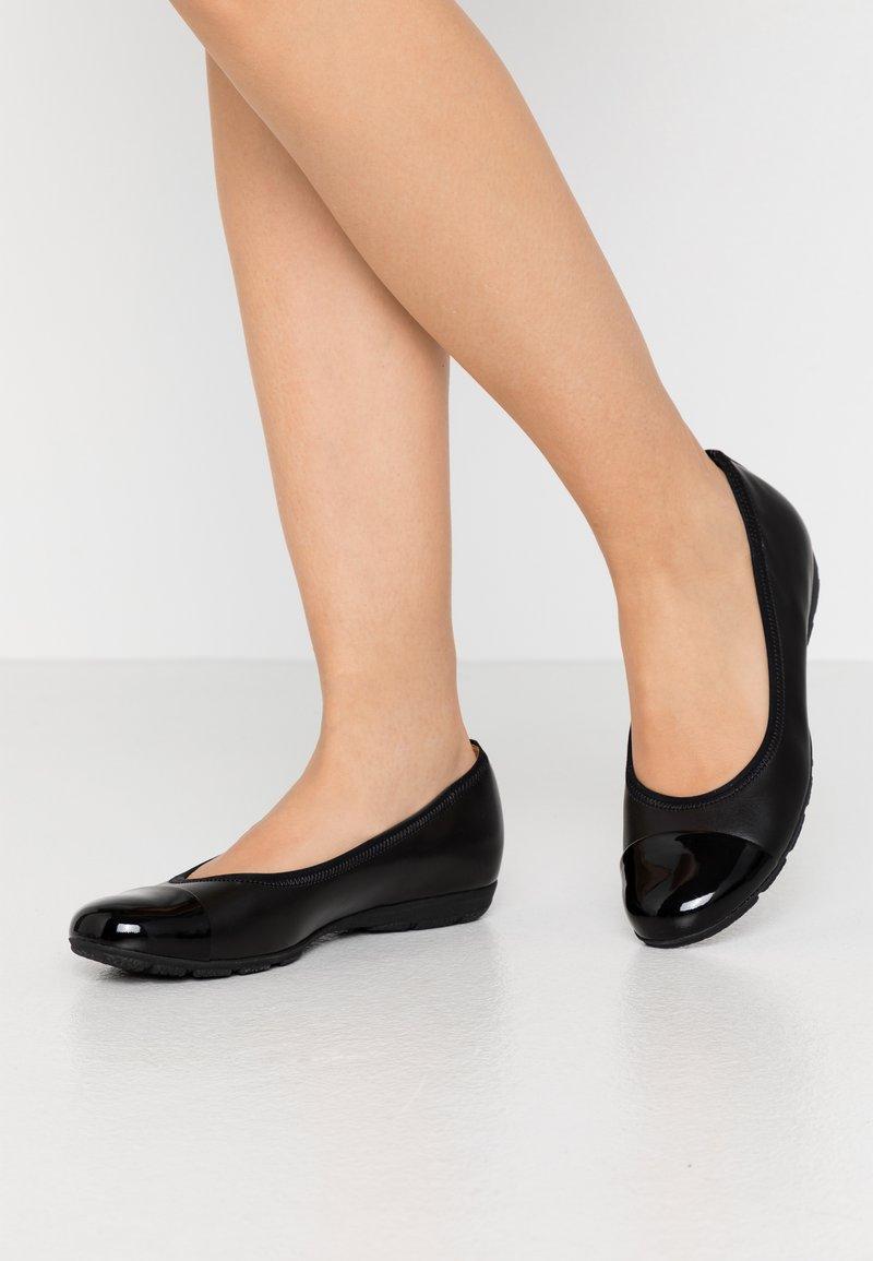Gabor - Ballet pumps - schwarz
