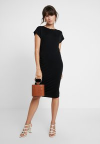 AMOV - ANE DRESS - Jerseyjurk - black - 2
