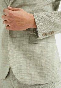 WE Fashion - SLIM FIT  - Sako - green - 4