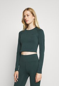 ONLY Play - ONPJAVO CIRCULAR CROPPED - Long sleeved top - darkest spruce - 0