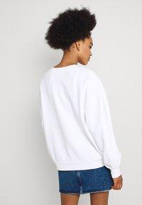 Levi's® - GRAPHIC - Sweatshirt - white - 2