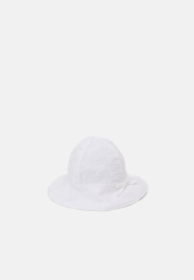 EYELET HAT UNISEX - Chapeau - optic white