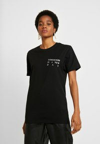 Merchcode - LADIES NEW DAY TEE - T-shirt print - black - 0