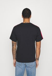 adidas Originals - STRIPE CIRCLE - Print T-shirt - black - 2