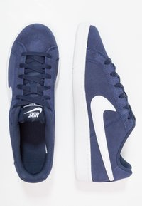 Nike Sportswear - COURT ROYALE SUEDE - Sneakersy niskie - midnight navy/white - 1