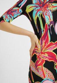 Desigual - DESIGNED BY MARIA ESCOTÉ: - Vestido de punto - multi-coloured - 4