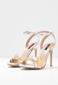 Liu Jo Jeans - CLAIRE - Sandály na vysokém podpatku - light gold/silver - 4
