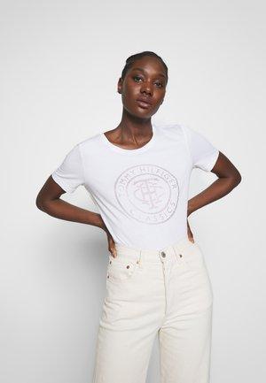 TIARA - T-shirt z nadrukiem - white