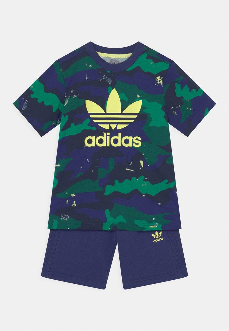 adidas Originals - TEE SET UNISEX - Camiseta estampada - night sky/multicolor