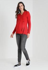 MAMALICIOUS - MLJULIA WASHED - Slim fit jeans - medium grey denim - 1