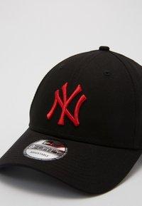 New Era - LEAGUE ESSENTIAL 9FORTY - Caps - black - 3