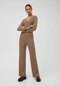 PULL&BEAR - Trousers - mottled beige - 1
