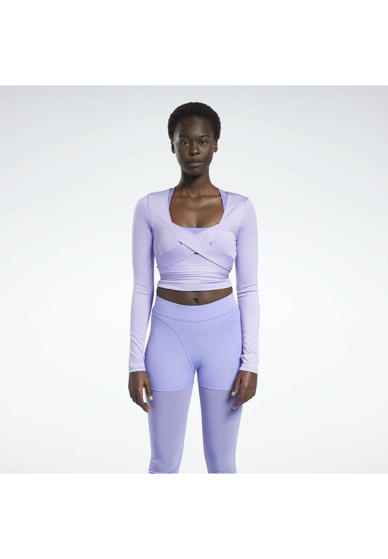 Reebok Classic - CARDI B  - Long sleeved top - purple