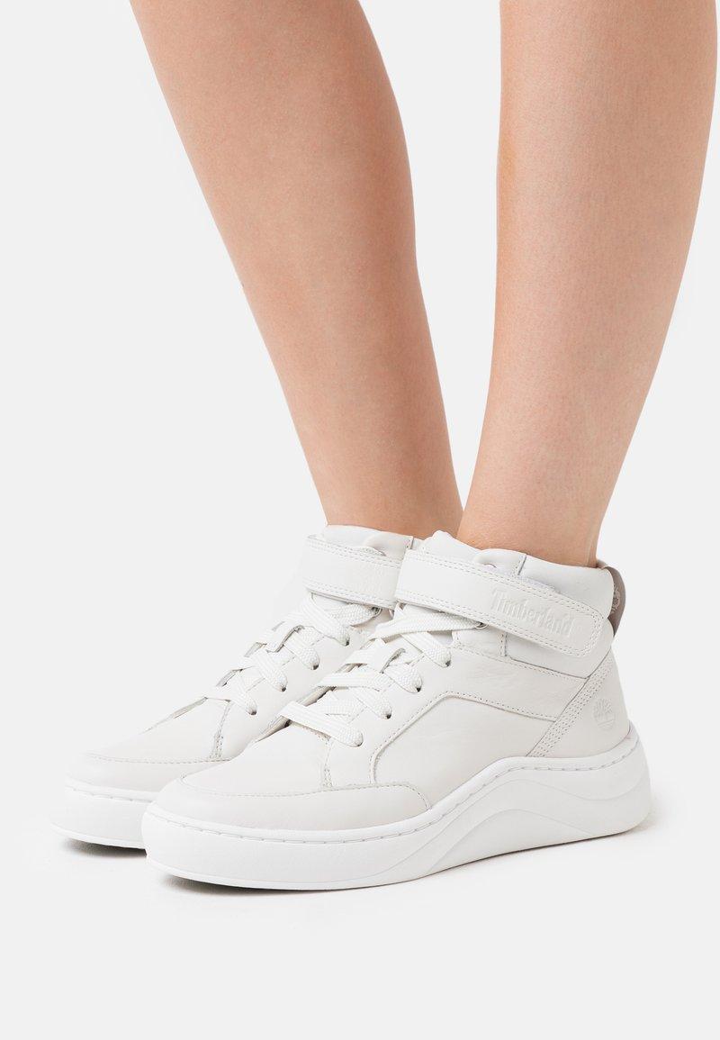 Timberland - RUBY ANN CHUKKA - Sneaker high - white