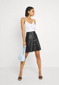 YAS - YASBINNA SKIRT - Leather skirt - black - 1