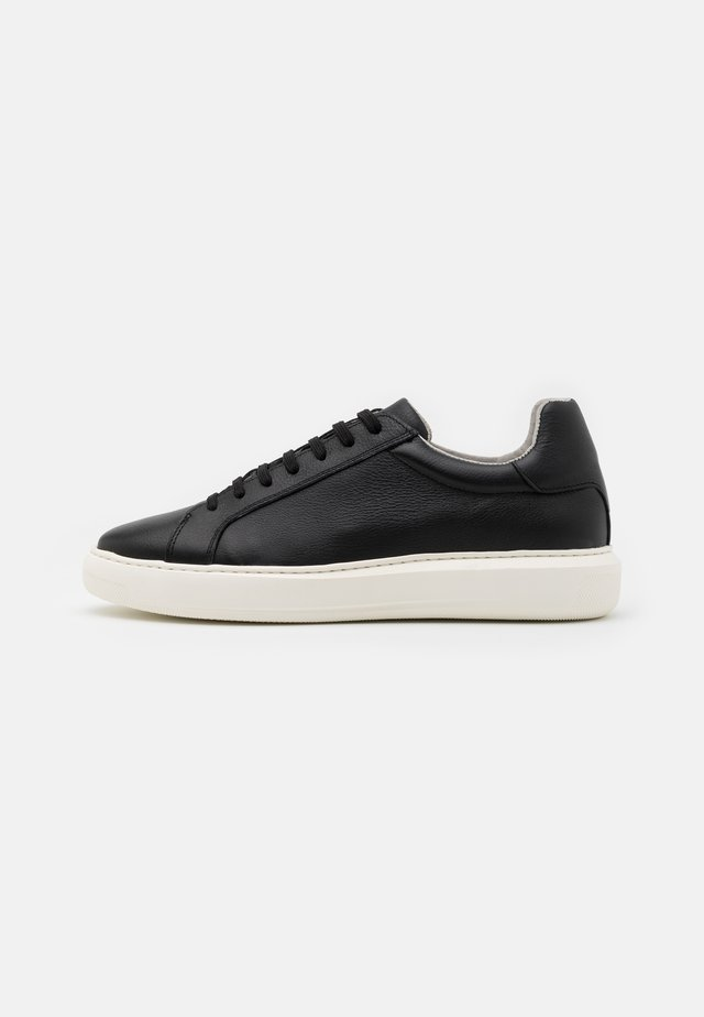 BIAKING  - Sneakers laag - black