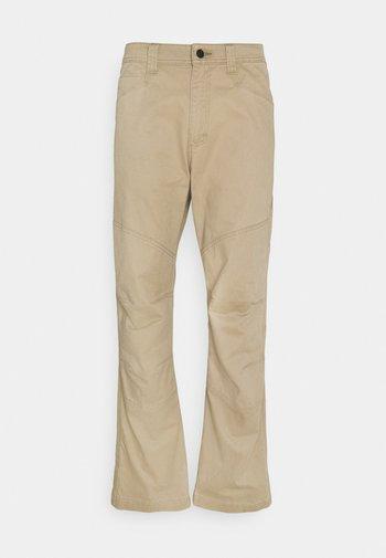 ALL TERRAIN GEAR REINFORCED UTILITY PANT - Spodnie materiałowe - elmwood